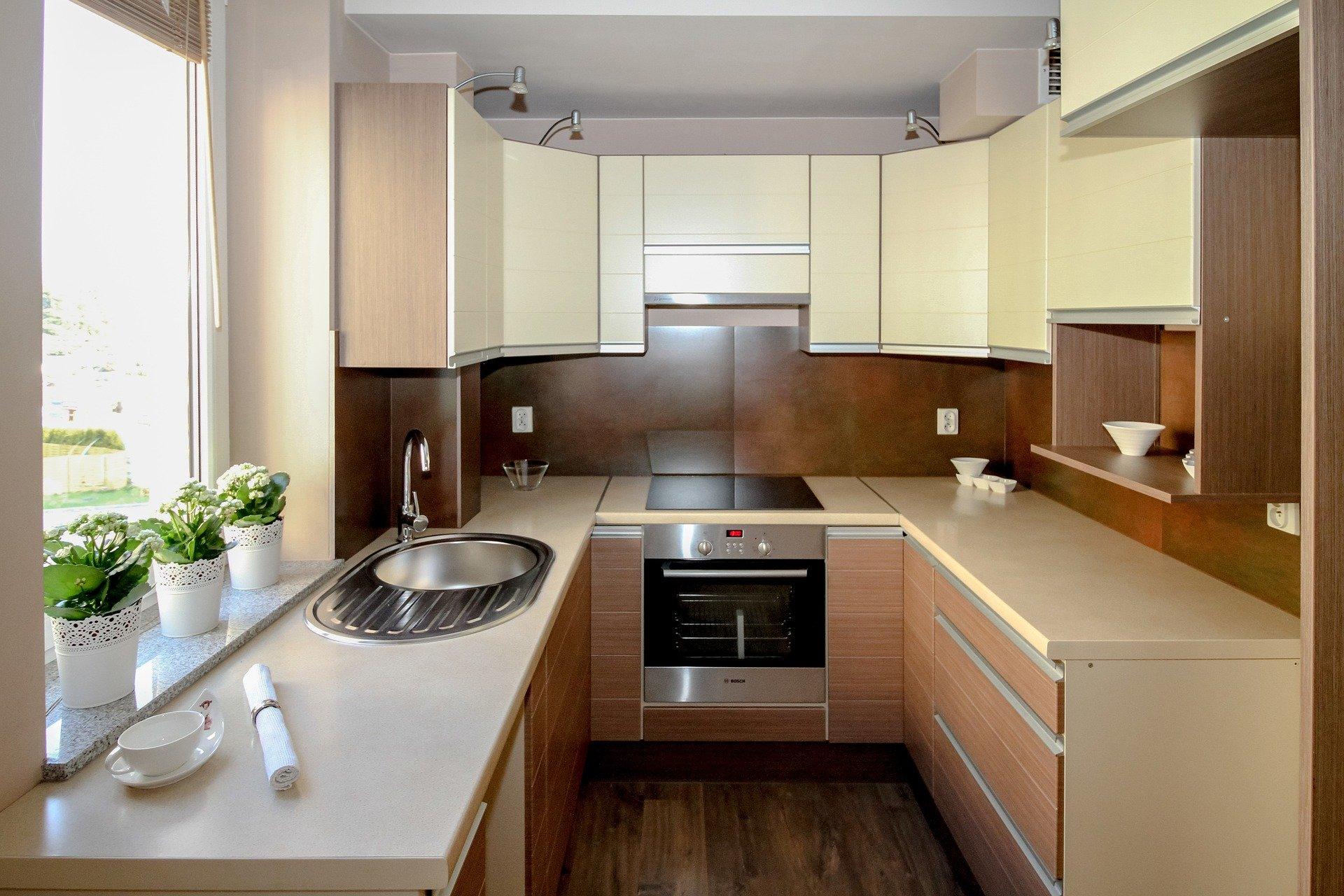 Ile kosztuje biała kuchnia na wymiar?